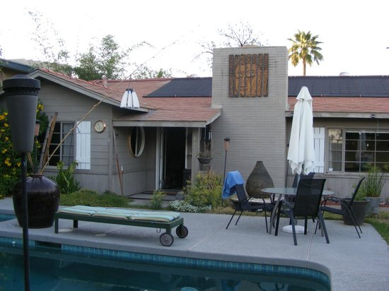 ZenYard Guest House: pool