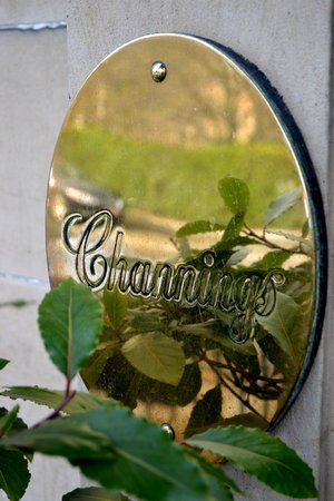 Channings Hotel: Entry