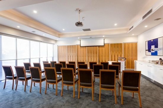 Mantra Charles Hotel: Conference Room