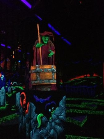 Englishtown, Нью-Джерси: monster mini golf