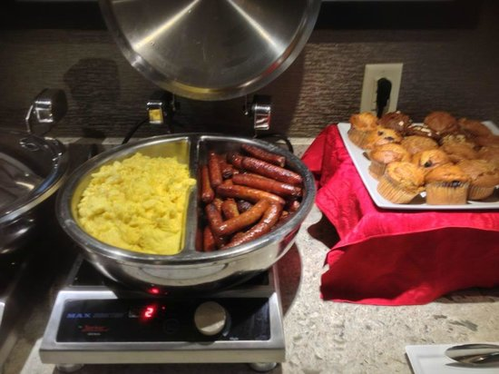 Sheraton Silver Spring Hotel: Breakfast in Club Lounge