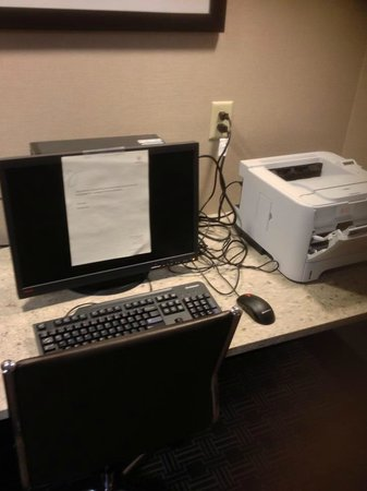 Sheraton Silver Spring Hotel: Business Center in Club Lounge BROKEN