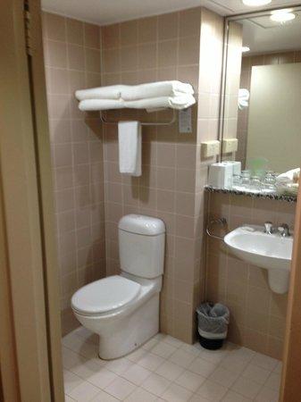 Holiday Inn Sydney Airport: Bathroom