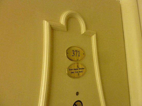 Hotel Bristol Vienna: Entrance Room 371