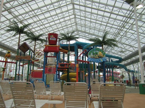 Big Splash Adventure Resort: The view as you enter the water park