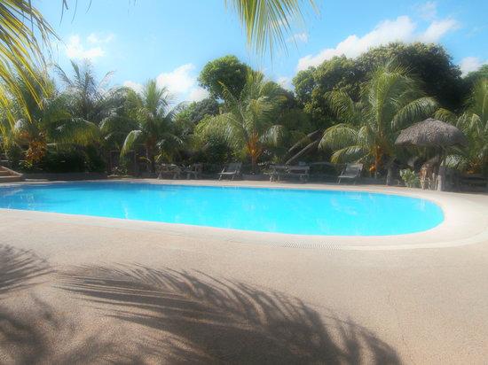 Residencia de riego resort guest house reviews - Residencia de manila swimming pool ...