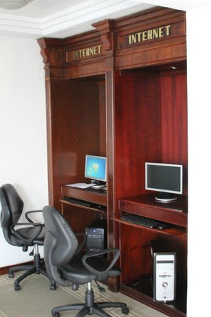 Internet station at Grand Hotel Santo Domingo