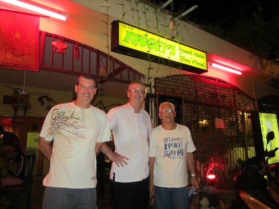 Froggy's French Bistro: Gilles the owner is the one in the middle.