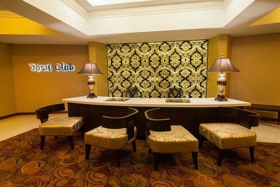 Dusit Thani Manila: The New Dusit Club Lounge Reception Area