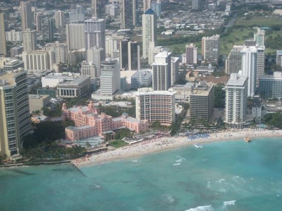 Makani Kai Helicopters: Over Wakiki Beach...
