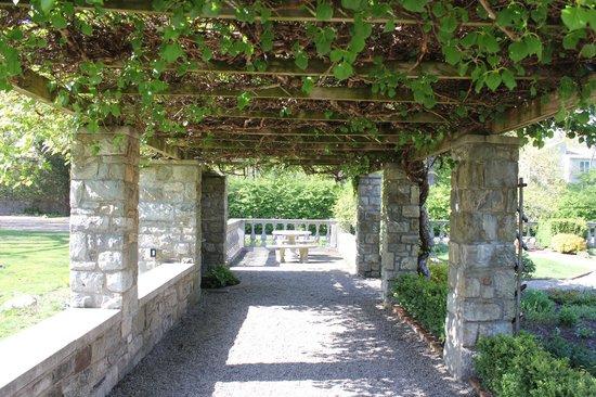 Fort Stamford Park - Goodbody Garden: Covered part