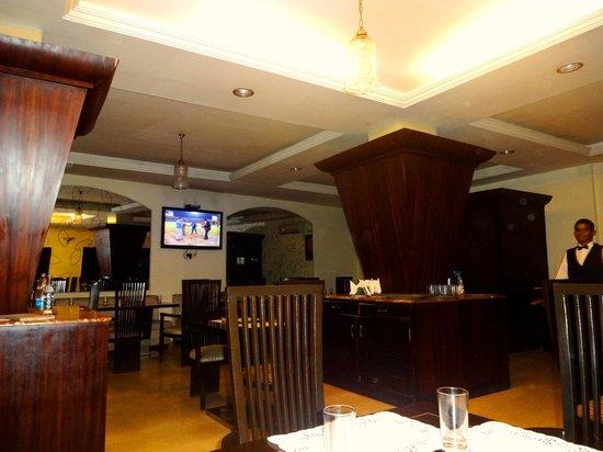 Hotel The Grand Raj: The Restaurant of The Grand Raj