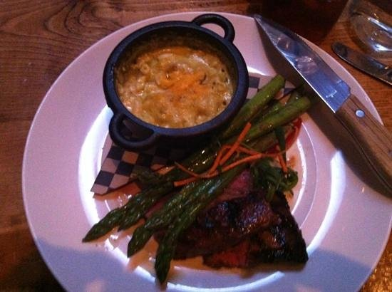 The Porch Restaurant and Bar: flat iron with green chile Mac n cheese