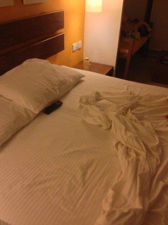 Adaaran Select Hudhuranfushi: No blankets given