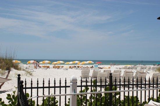 Sandpearl Resort: Beach