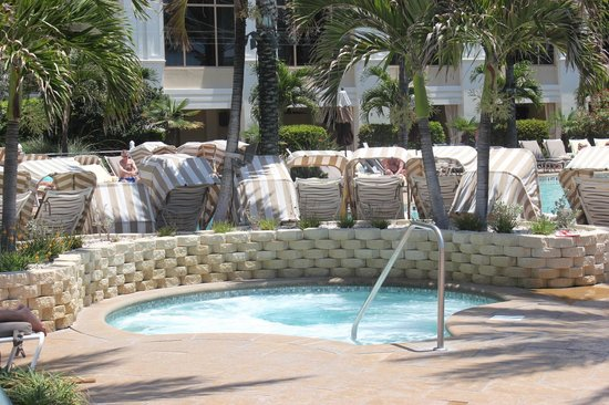 Sandpearl Resort: Hot tub