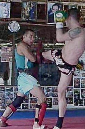 Kobra Muay Thai Boxing Stadium: Master Kob Paw-Training