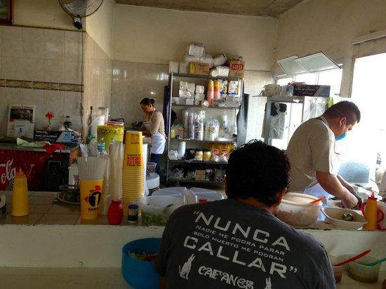 El Rey Del Taco: cook in action