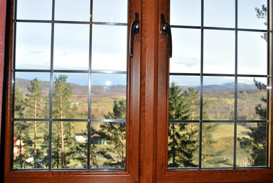 Ard-na-Coille Guest House: View from our bedroom window.