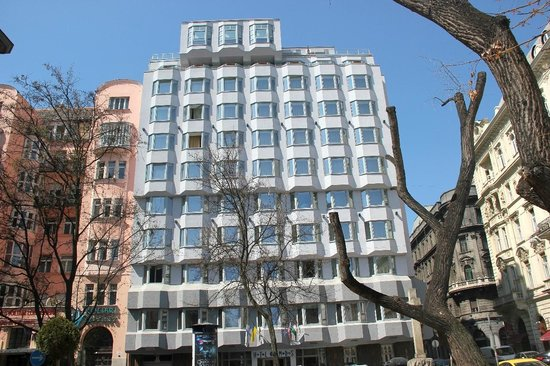 Medosz Hotel: La façade