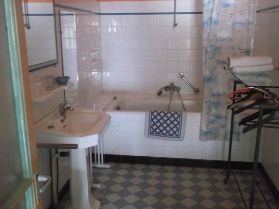 Foto di ferrals les corbieres immagini di ferrals les - Salle de bain a la chaux ...