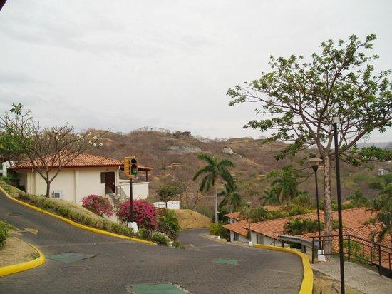Villas Sol Hotel & Beach Resort: Steep hillside