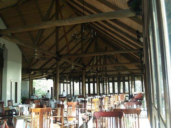 Villas Sol Hotel & Beach Resort: Buffet