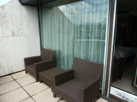 Grand Hotel Kempinski Geneva: balcony