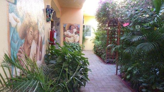 Norman Diego's The Mexican Inn: Courtyard