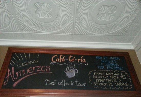 Café-Té-Ría: inviting