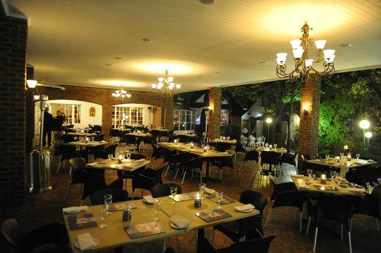 Gooderson Fabz Garden Hotel & Conference Centre : Dining Patio