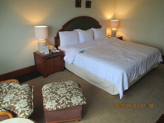 The Sultan Hotel & Residence Jakarta: very nice and comfortable bed