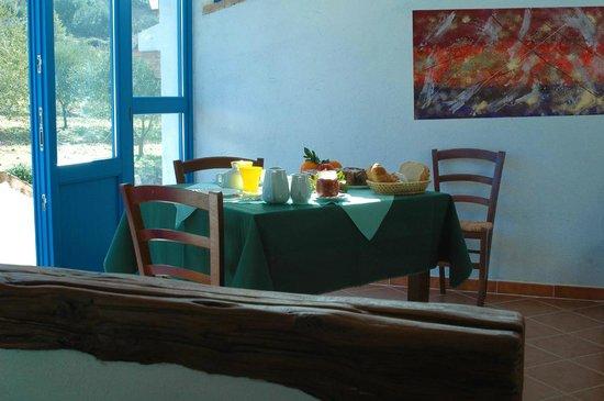Villa Sos Pisches : sala colazioni
