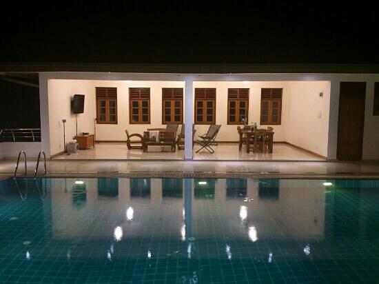 Serene Villa Ratnapura: pool area
