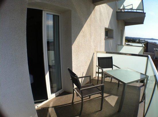 Astari Hotel: Terraza 305