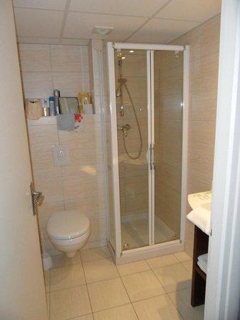 Helgon Hotel: Salle de bains