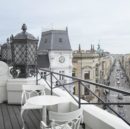 Hotel D'Angleterre: 5 th floor balcony
