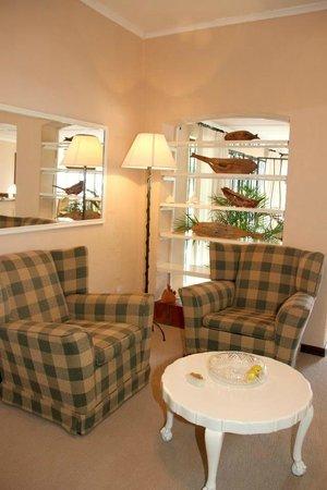 Honeybear Guest Lodge : Reading Corner