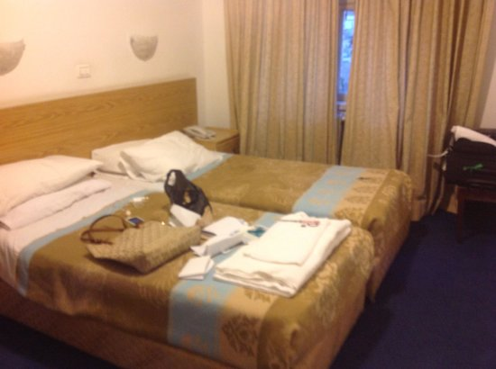 Mount of Olives Hotel: Bed
