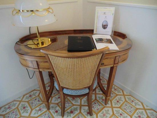 Grand Hotel Royal: Schreibtisch