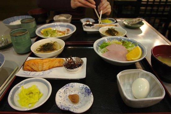 Ueno Tokyo New Izu Hotel: Desayuno japonés