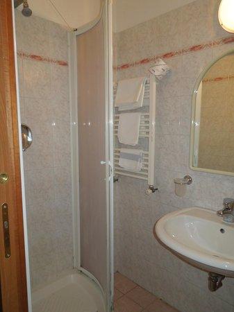 Hotel Arno Bellariva: bagno camera48