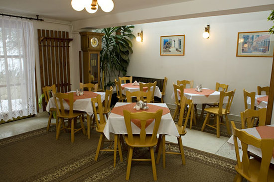 Hotel Pension Helios: Breakfast room