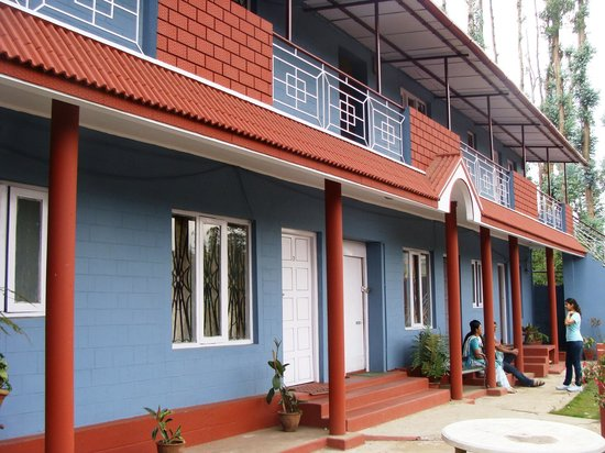 Reflections Guest House: rooms at the top or stay within the homestay