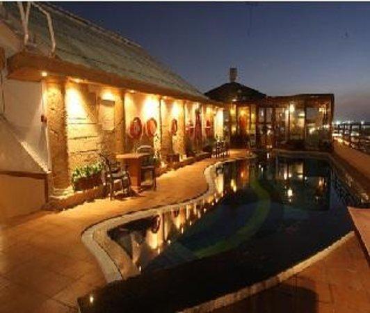 Best Places In Dubai For Shisha: Shisha Rooftop Cafe, Dubai
