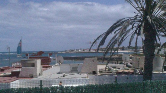 Erika Apartments: Looking over to another part of beach from room