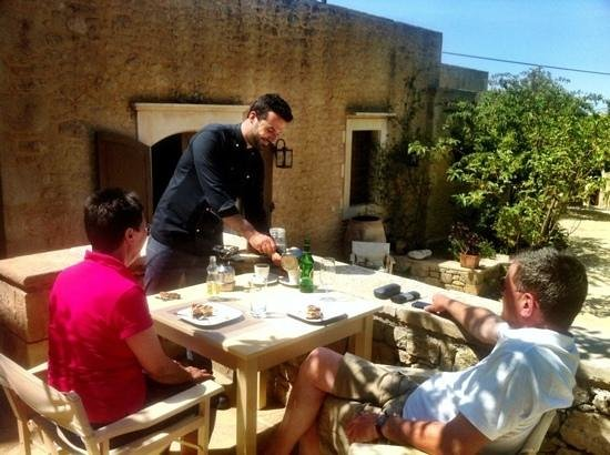 Kapsaliana Village Hotel: our chef make greek traditional coffee live show