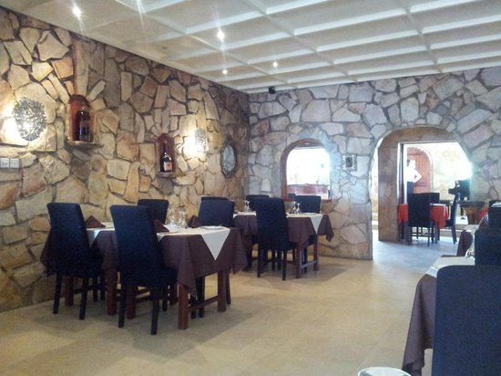 Come Dine And Wine Picture Of Le Must Accra Tripadvisor