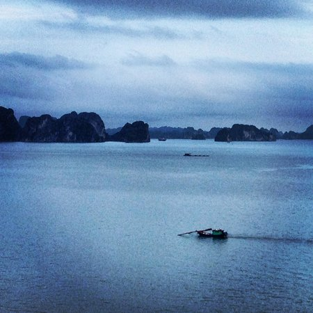 Castaway Island: evening halong bay : view from the room