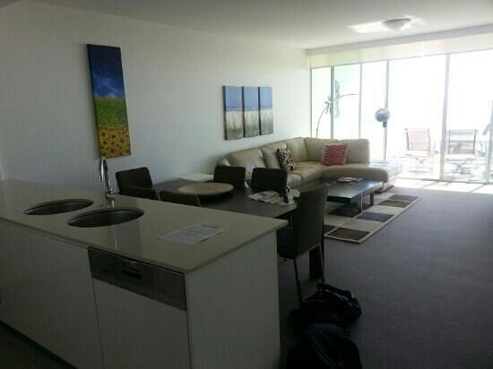 Kirra Beach Apartments : kitchen dining living room Room 606